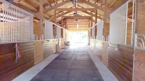 1402 Stallion Dr Unit Barn, Loxahatchee, FL 33470