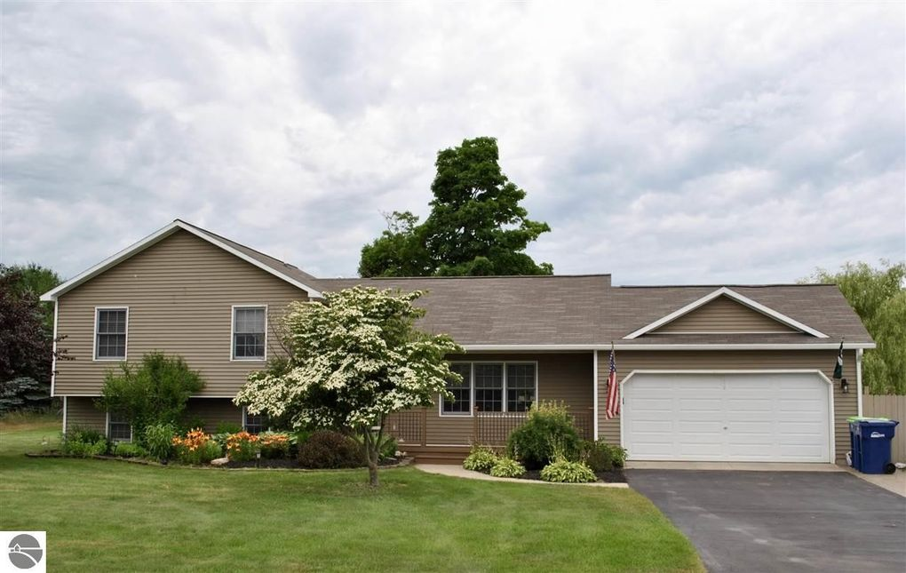 5033 Gauthier Ln Traverse City Mi 49684 Realtor Com 174
