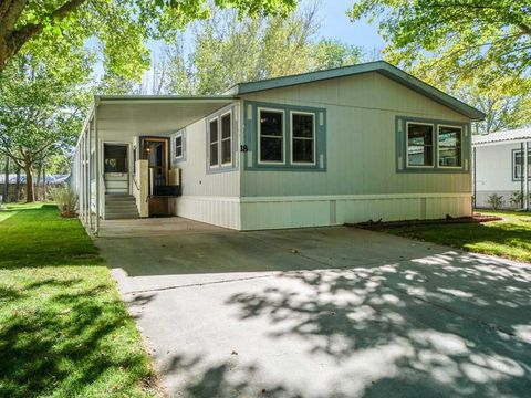 Photo of 679 Brentwood Dr Unit 18, Palisade, CO 81526