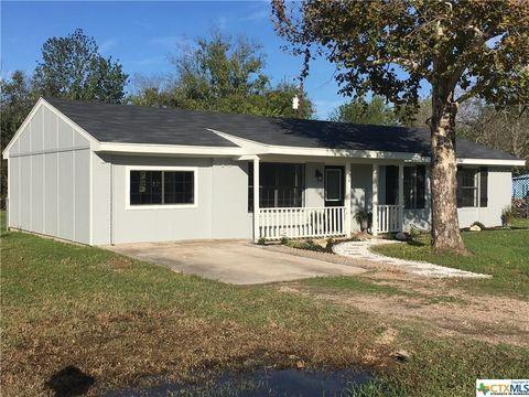 704 W Gary Dr, Little River Academy, TX 76554