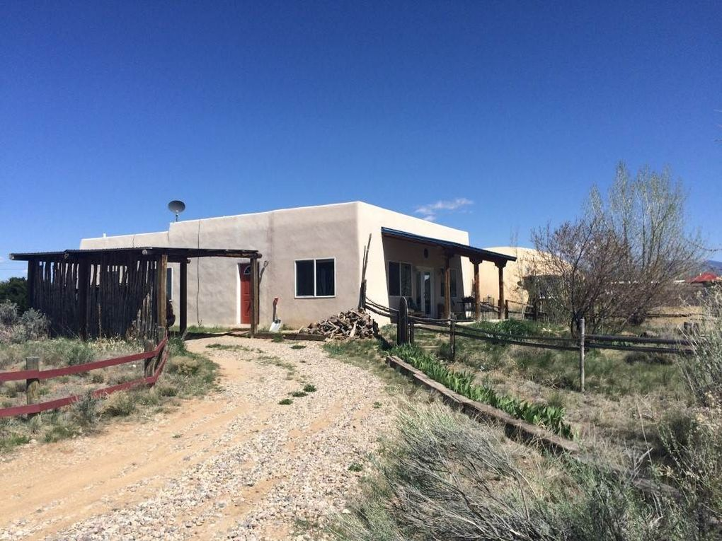 63 Blueberry Hill Rd, Taos, NM 87571