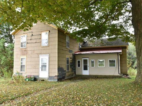 18666 N Mead Rd, Saegertown, PA 16433