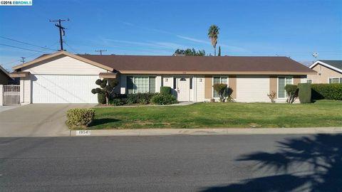 1954 N Oakdale Ave, Rialto, CA 92376