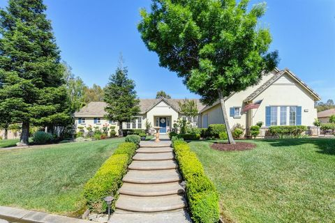8071 Stallion Way, Sacramento, CA 95830