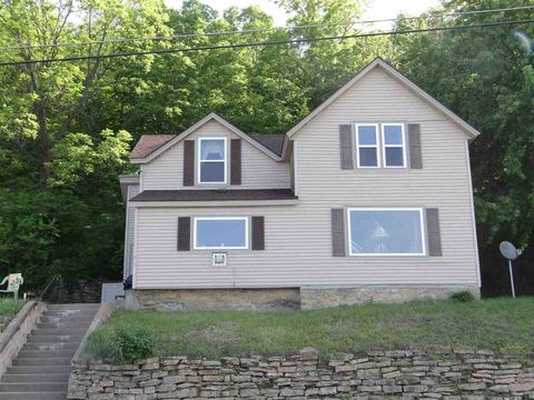 Photo of 110 S Main St, Ferryville, WI 54628