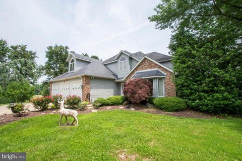 Photo of 5933 Talbot Rd, Lothian, MD 20711