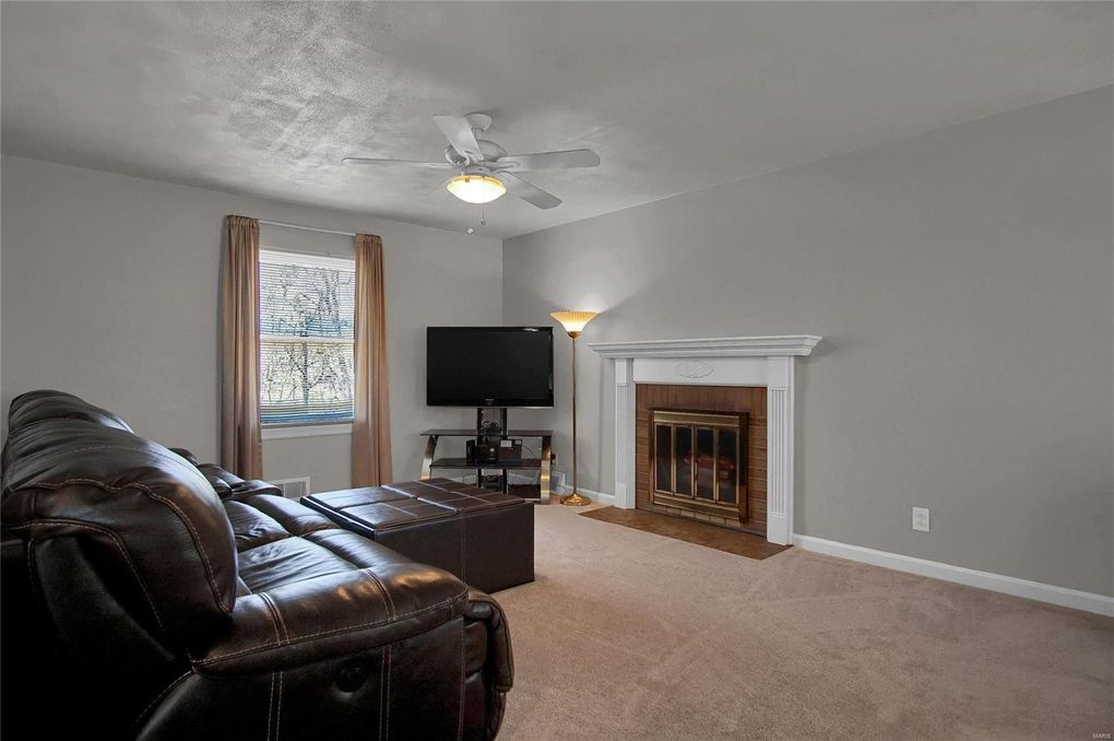 5 Fairview Dr Heights Il 62208
