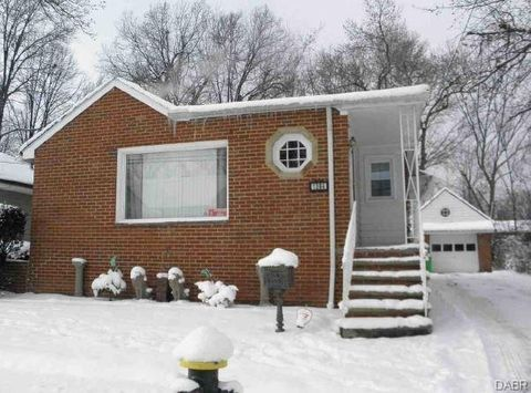 1384 Francis Ct, South Euclid, OH 44121