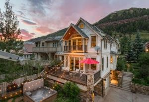 522 w colorado ave telluride co 81435 for Telluride houses for sale