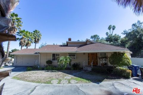 Photo of 16962 Cotter Pl, Encino, CA 91436