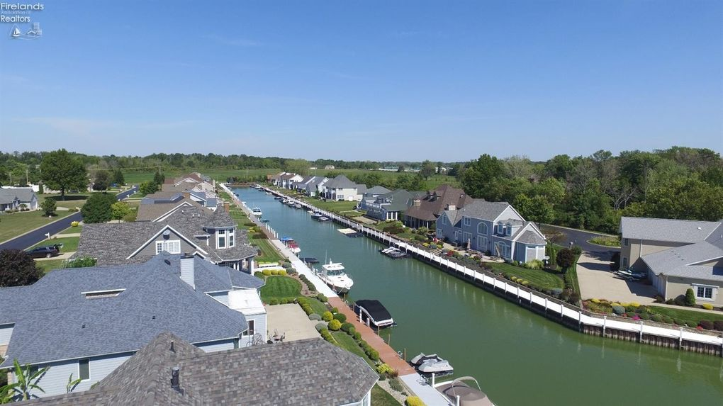 meet lakeside marblehead singles Of the 16 properties for sale in lakeside marblehead, 15 are single family homes and 1 are condos 1920 s bayshore #77 is a single family  meet with a real estate.