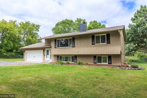 9280 239th St N, Forest Lake, MN 55025