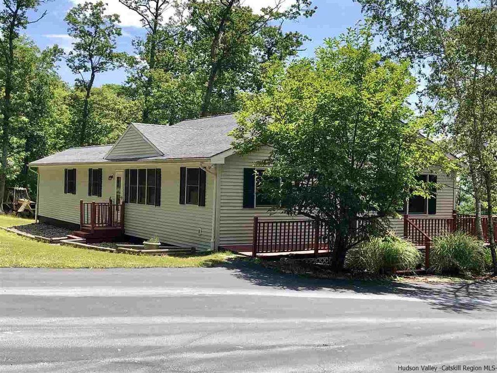 104 Vista Maria Rd Pine Bush, NY 12566