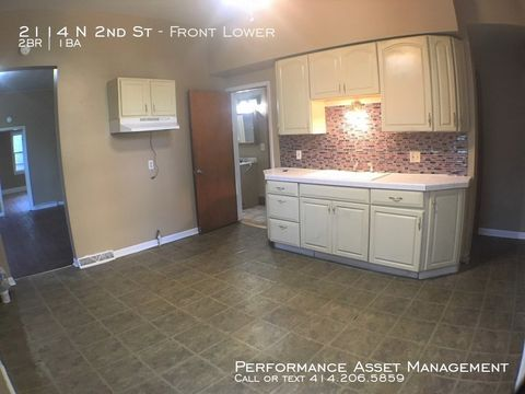 Photo of 2114 N 2nd Lower St Unit Front, Milwaukee, WI 53212