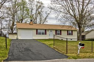 2424 Maple Dr Knoxville Tn 37918 Realtor Com 174