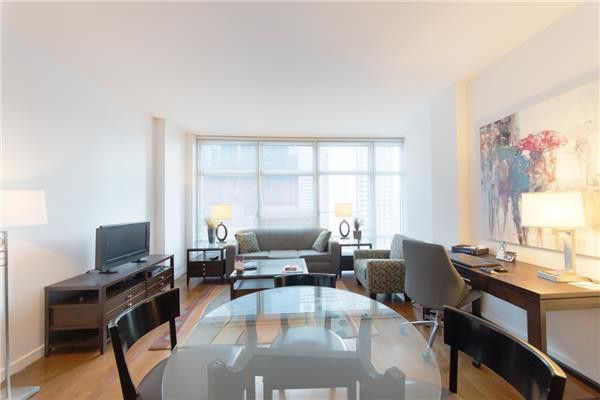 1600 Broadway Apt 18 D, New York, NY 10019
