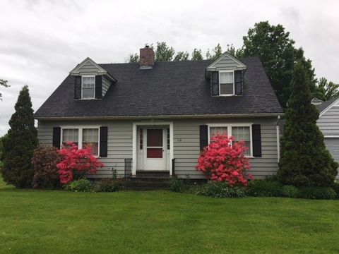 118 Canusa Ave, Derby, VT 05823
