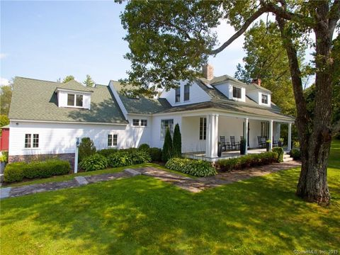 Photo of 101 Cornwall Rd, Warren, CT 06754