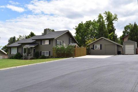 2111 Ione St, Wenatchee, WA 98801