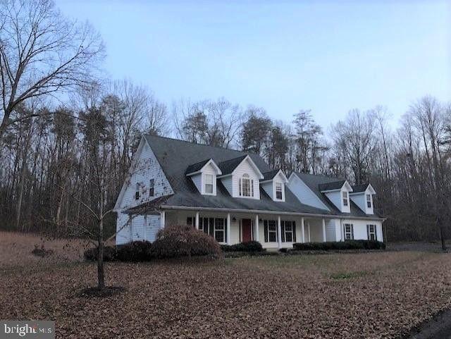 11 Fallen Leaves Ln, Fredericksburg, VA 22405