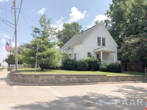 702 E Fort St, Farmington, IL 61531