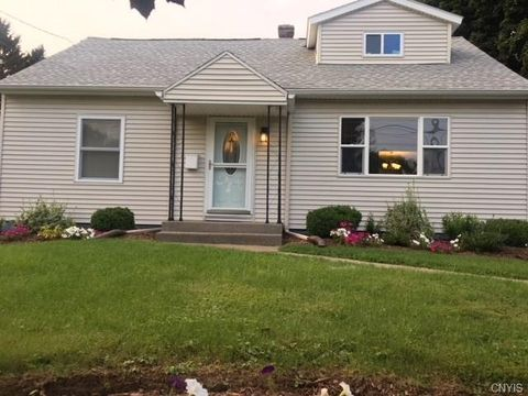 116 Clover Rd, Syracuse, NY 13219. House For Sale