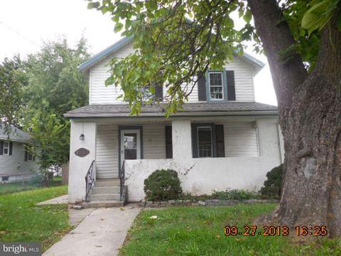 1002 Randall Ave, Upper Chichester, PA 19061