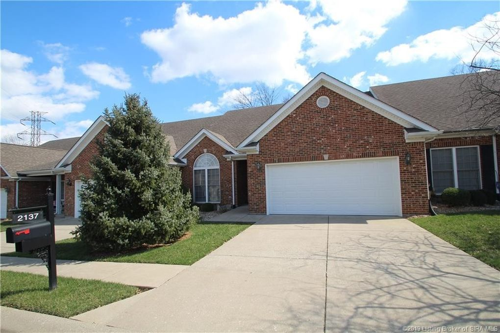 2137 Pickwick Dr, New Albany, IN 47150