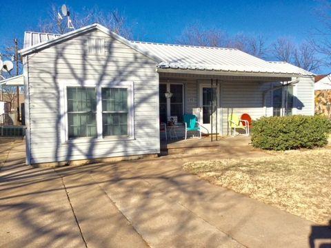 Photo of 800 Rambler St, Albany, TX 76430