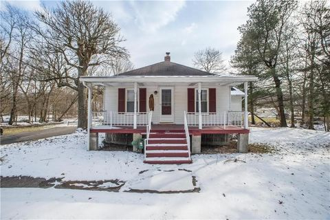 Photo of 634 Venetia Rd, Peters Township, PA 15367