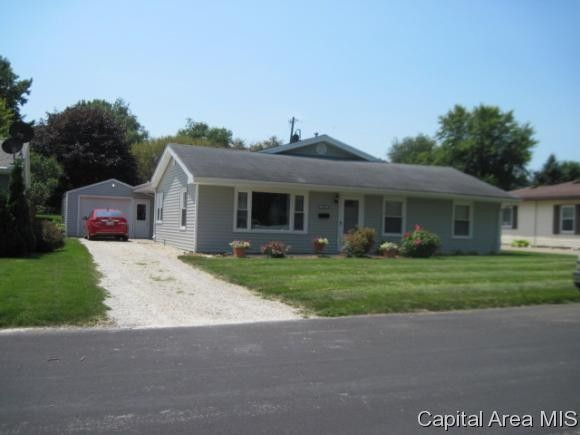 1327 Lincoln Rd, Monmouth, IL 61462