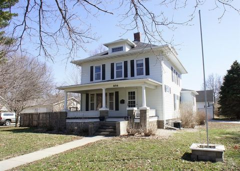 856 Boone St, Webster City, IA 50595