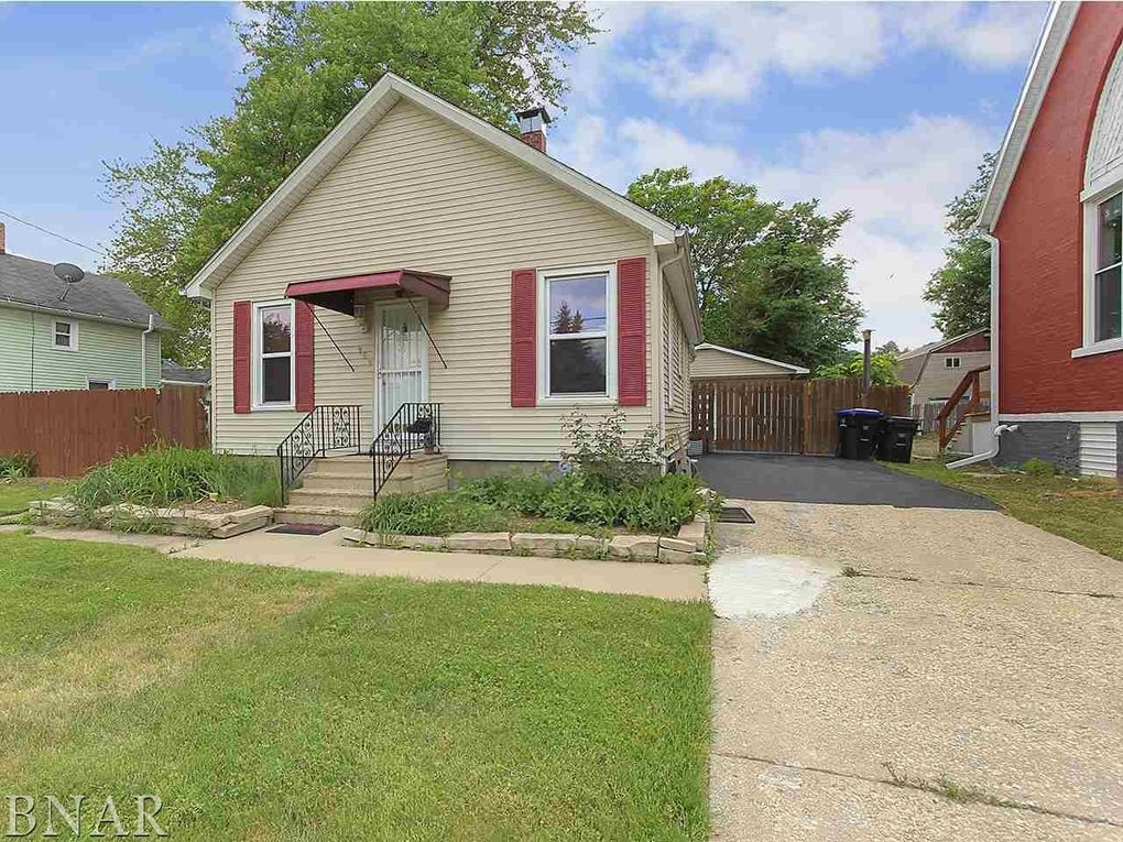 909 S East St, Bloomington, IL 61701