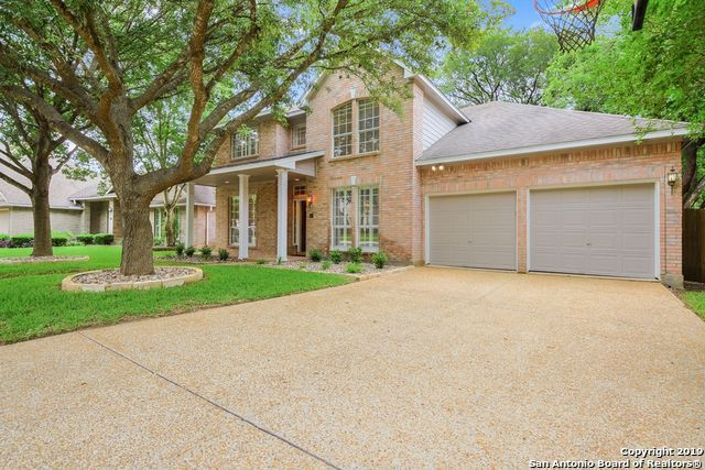 33 Grants Lake Dr, San Antonio, TX 78248