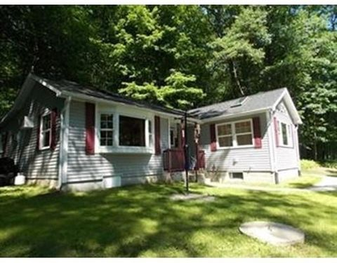 59 Lake Sargent Dr, Leicester, MA 01524