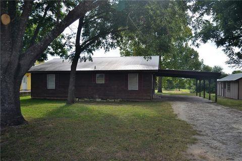 Photo of 710 Perkins St, Bastrop, TX 78602