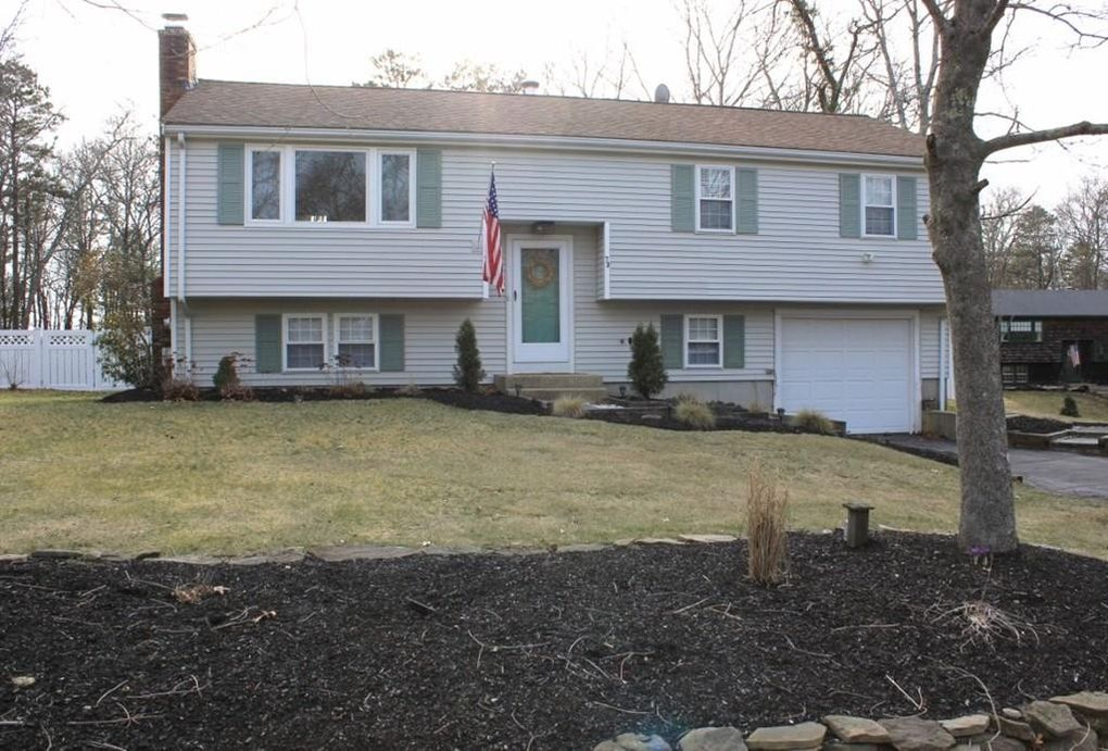 73 Jan Marie Dr, Plymouth, MA 02360