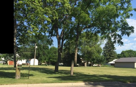 307 3rd Ave Sw, Hankinson, ND 58041
