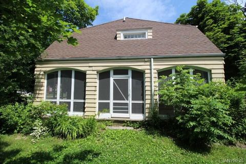 Photo of 4001 Washington St, Niagara Falls, NY 14305
