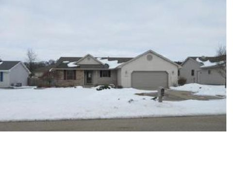Photo of 3885 Canvasback Dr, Janesville, WI 53546