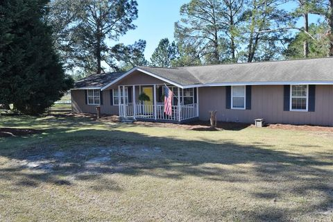 Photo of 331 Lakeview Dr, Sycamore, GA 31790