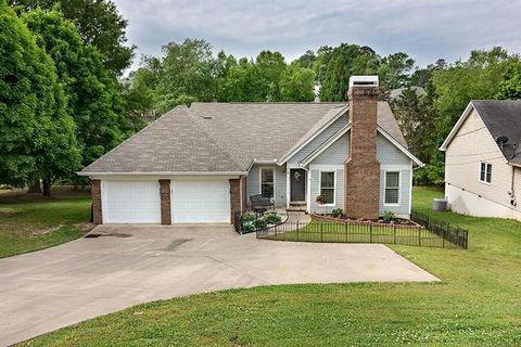 1143 Springway Dr Gainesville GA 30501
