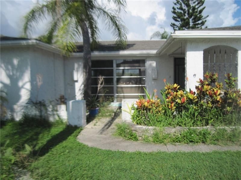 1954 Norfolk Dr, Holiday, FL 34691