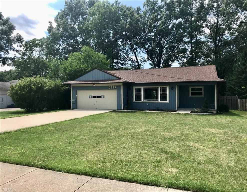 5804 Decker Rd North Olmsted, OH 44070