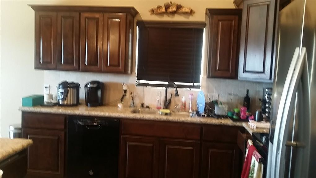 4323 w 12th ln yuma az 85364 for Kitchen cabinets yuma az