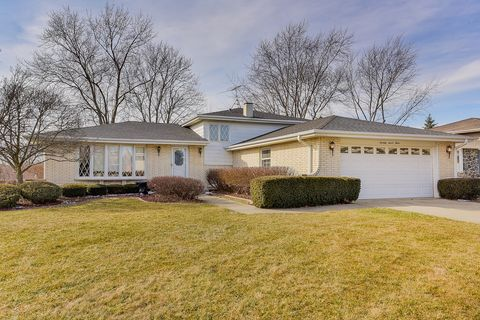 Photo of 7712 Appletree Ln, Willowbrook, IL 60527