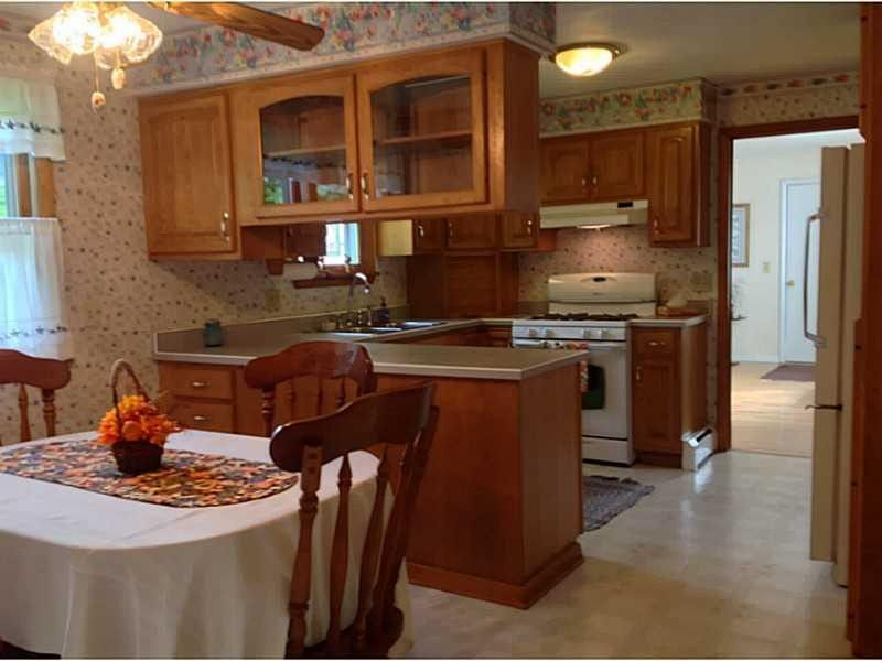 2112 norcross rd erie pa 16510 for Kitchen cabinets erie pa