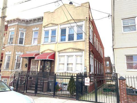 484 Pine St, Brooklyn, NY 11208