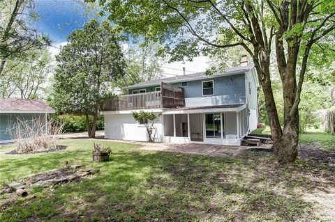 Photo of 325 Whitehall Dr, Yellow Springs, OH 45387