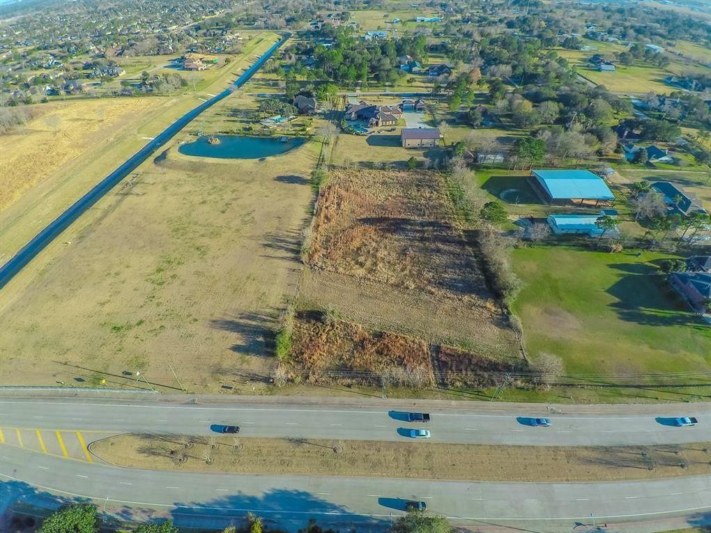 3 Dixie Farm Rd, Pearland, TX 77581